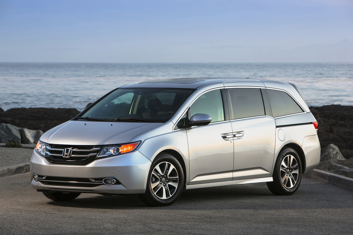 ​2015 Honda Odyssey, Civic, Accord and CR-V Named Kelley Blue Book Best Buys for 2015