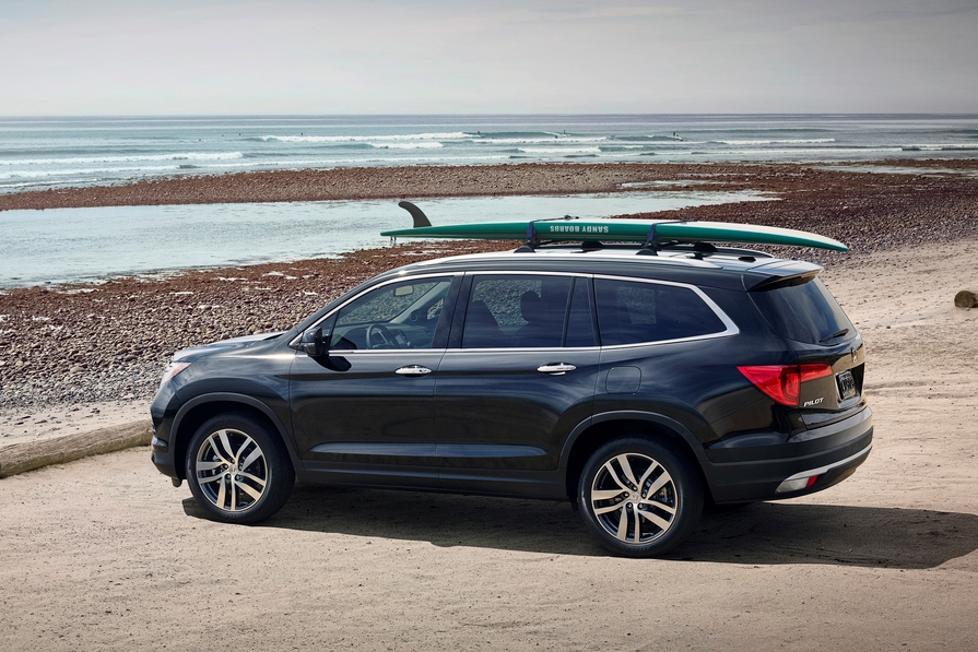 ​Beauty, Brawn and Brains: 2016 Honda Pilot Poised to Top Three-Row SUV Segment