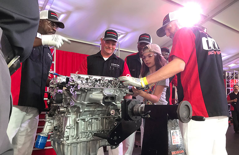 Honda LIVE! Factory Pop-Up brings real vehicle/engine assembly to Barber Indy Race